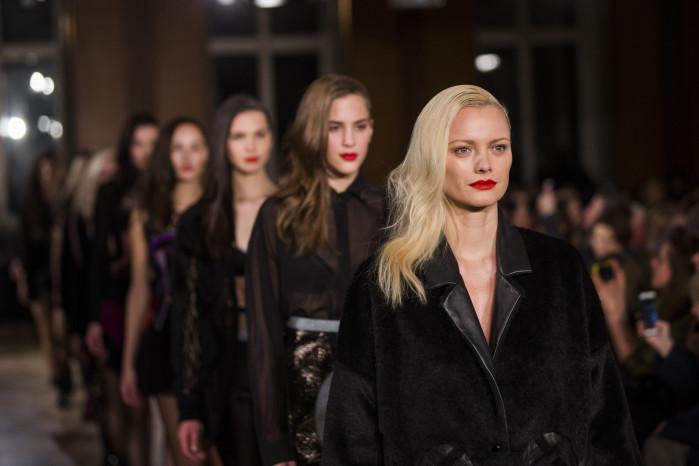 Wella Professionals als Haarpartner für Augustin Teboul beim DER BERLINER MODE SALON auf der Berlin Fashion Week am 21.1.2016. Foto: Gero Breloer für WELLA