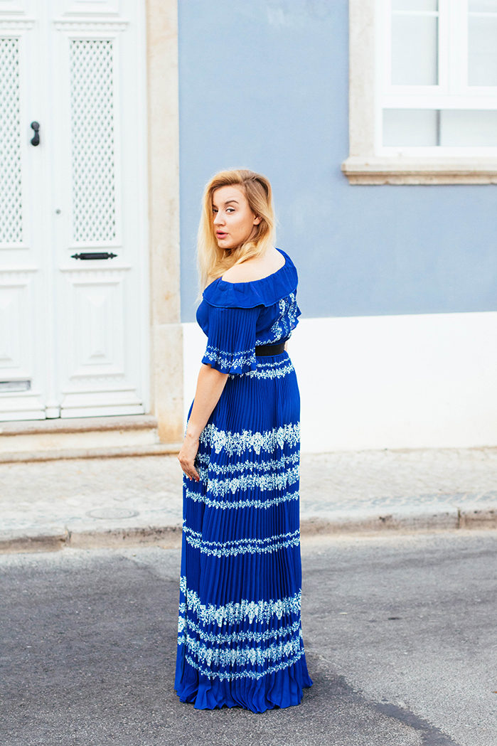 self-portrait-maxi-over-shoulder-dress_style-taxi_5