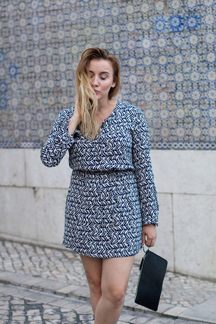 blue-and-white-pattern-dress_3